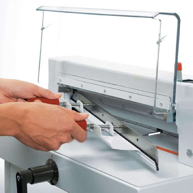 Stapelschneider IDEAL 4305 sicherer Messerwechsel