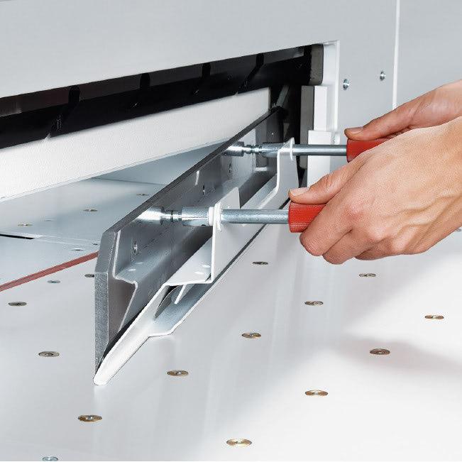 Elektrischer Stapelschneider IDEAL 7260 sicherer Messerwechsel